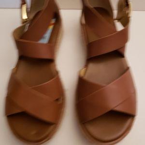 Michael Kors 6.5 NWT sandals low heel